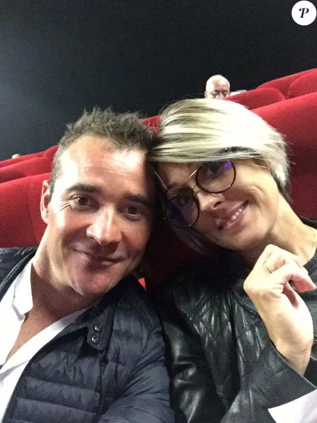 Thomas Voeckler et sa femme Julie, enceinte de Noha, au cinéma début octobre 2017, photo Twitter.