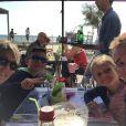Thomas Voeckler en famille avec sa femme Julie et leurs enfants Mahé et Lila aux Sables d'Olonne le 14 octobre 2017, cinq jours avant la naissance de Noha, leur troisième enfant, photo Twitter.
