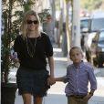 Reese Witherspoon et son fils Deacon à Santa Monica en octobre 2011