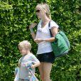 Reese Witherspoon et son fils Deacon à Santa Monica en 2007