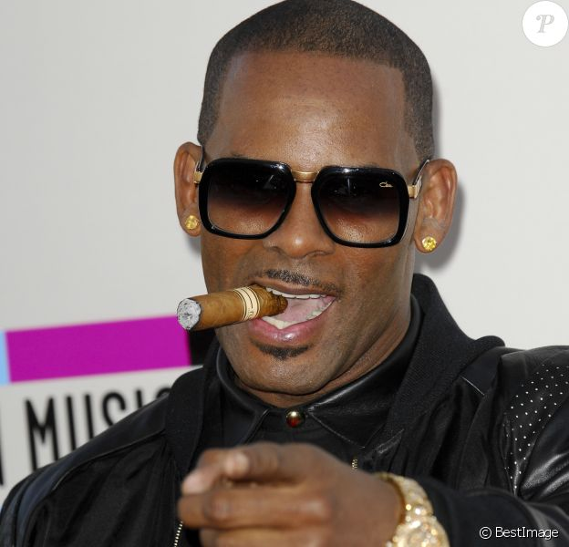 "R Kelly - Soiree ""American Music Awards 2013"" a Los Angeles, le 24 novembre 2013."