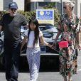 Johnny Hallyday quitte une pizzeria au volant de sa nouvelle Lamborghini Aventador à Brentwood pendant que sa femme Laeticia fait du shopping avec sa fille Jade dans Santa 20/05/2017 - Los Angeles