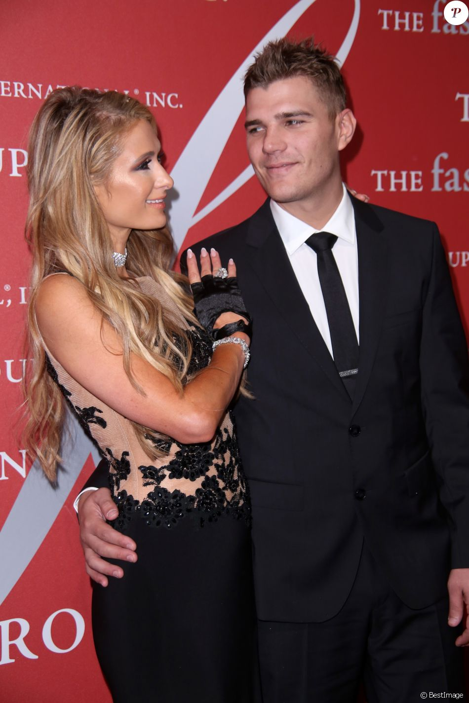 "Paris Hilton et son compagnon Chris Zylka - 34e édition de la ""Night of Stars'' à New York, le 26 octobre 2017. © Sonia Moskowitz/Globe Photos/Zuma Press/Bestimage"