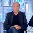 """Laurent Baffie tacle Anne Nivat dans """"Salut les Terriens !"""" sur C8. Le 28 octobre 2017."""