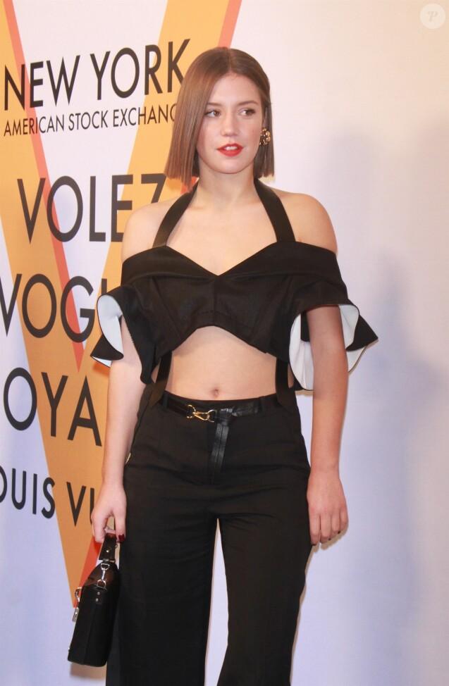 """Adèle Exarchopoulos - Les célébrités arrivent à l'ouverture de l'exposition """"Volez, Voguez, Voyagez – Louis Vuitton"""" à l'American Stock Exchange Building de New York City le 26 octobre 2017."""