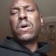 """""""Tyrese Gibson en larmes s'explique sur ses problèmes personnels et affirme qu'il a besoin d'argent, le 1er novembre 2017. L'acteur est en colère car le tournage du film Fast & Furious 9  (et donc ses rentrées d'argent) a été retardé."""""""