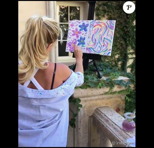 Britney Spears a fait don de cette toile pour les victimes de la fusillade de Las Vegas. Instagram, octobre 2017