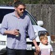 Ben Affleck emmène son fils Samuel à l'église pour un cours de catéchisme à Pacific Palisades en Californie. Samuel porte des UGG, le 22 octobre 2017.