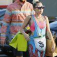 Exclusif - Miley Cyrus fait du shopping avec son compagnon Liam Hemsworth et des amis à Malibu le 21 août 2016.