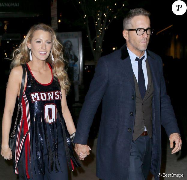 Blake lively et son mari Ryan Reynolds sortent main dans la main de la projection du film 'All I See is You' à New York, le 16 octobre 2017