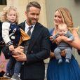Ryan Reynolds avec sa femme Blake Lively et leurs deux filles James et Ines. L'acteur a reçu son étoile sur le Walk of Fame à Hollywood, le 15 décembre 2016