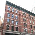 Exclusif - La nouvelle maison que Taylor Swift vient d'acheter pour 18 millions de dollars dans le quartier de Tribeca à New York, juste à côté du Penthouse (immeuble aux portes vertes) qu'elle possède déjà depuis 2014. Située au 153 Frankin St, cette demeure avait été louée par Anne Sinclair lors du placement en résidence surveillée de DSK de juin à août 2011. Photos du samedi 4 novembre 2017.