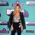 Laura Whitmore sur le tapis rouge des MTV Europe Music Awards 2017 au SSE Arena, Londres, le 12 novembre 2017.