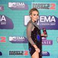 Tallia Storm sur le tapis rouge des MTV Europe Music Awards 2017 au SSE Arena, Londres, le 12 novembre 2017.