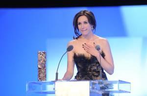 Elsa Zylberstein, en larmes, reçoit le César de la meilleure actrice dans un second rôle ! (réactualisé)