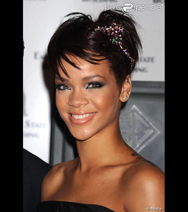 Rihanna et Chris Brown amoureux à Paris en 2008
