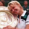Jana Novotna, victorieuse du tournoi de Wimbledon en 1998 (photo), est morte à 49 ans le 19 novembre 2017, des suites d'un cancer, entourée de sa famille dans sa République tchèque natale. © Neil Munns/PA Wire/Abacapress