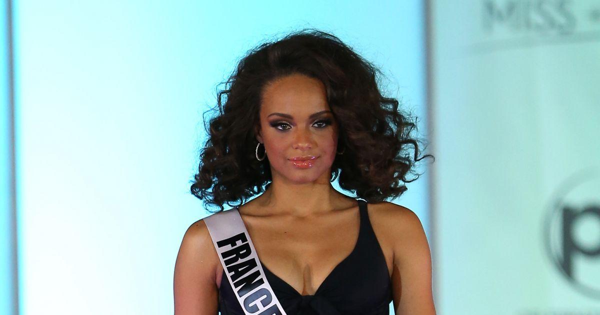Alicia aylies miss france 2017 d file en bikini noir lors du 66 me concours miss univers 2017 - Miss france 2017 interview ...