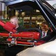 La duchesse Catherine de Cambridge (Kate Middleton), enceinte de 4 mois, et le prince William ont eu l'occasion de tester des véhicules lors de leur visite de l'usine Jaguar Land Rover de Solihull à Birmingham le 22 novembre 2017.