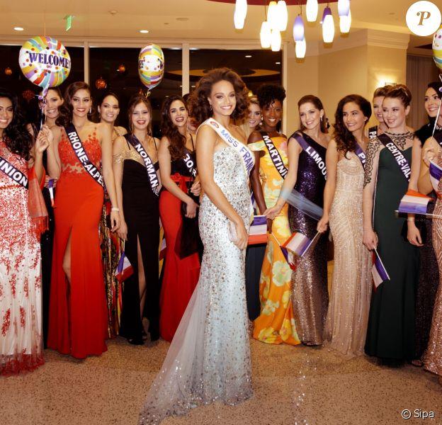 Alicia Aylies accueillie par les Miss régionales après sa participation à Miss Univers 2017, le 27 novembre 2017 à Los Angeles.