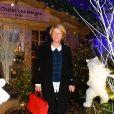 """Semi-exclusif - Ariane Massenet autour de deux ours de R. Orlinski - Inauguration du """"Chalet les Neiges 1850"""" sur la terrasse l'Hôtel Barrière Le Fouquet's à Paris le 27 novembre 2017. © Coadic Guirec/Bestimage"""