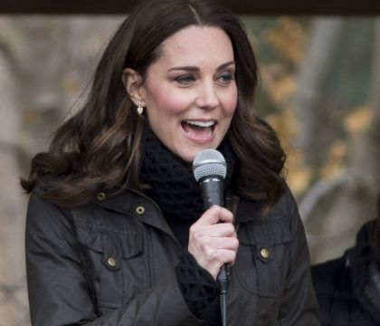 Kate Middleton, enceinte : Séance jardinage pendant que William voyage