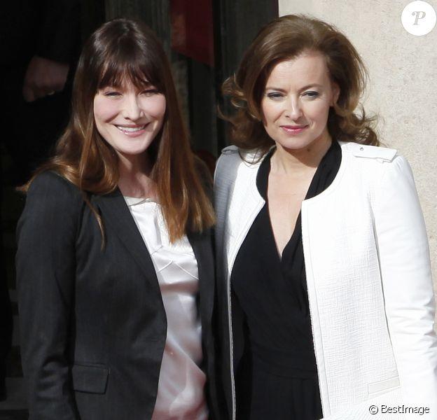 Archives - Valérie Trierweiler, Carla Bruni-Sarkozy - Cérémonie de passation de pouvoir entre Nicolas Sarkozy et François Hollande au palais de l'Elysée à Paris. Le 15 mai 2012