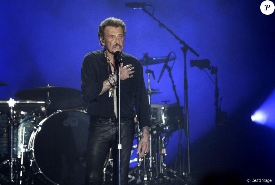 Exclusif  - Johnny Hallyday en concert au Vélodrome à Arcachon, où 8500 personnes sont venues l'acclamer. Le 19 juillet 2016 © Patrick Bernard-Thibaud Moritz / Bestimage