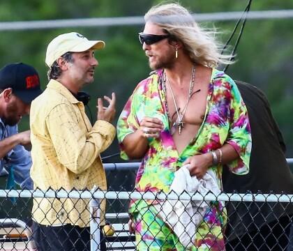 Matthew McConaughey s'éclate avec Zac Efron... et des bimbos aux seins nus