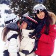 """"""" Love is all we need"""", est la légende choisie par Laeticia Hallyday pour cette photo de ses filles postée sur Instagram le 2 janvier 2015."""