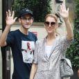 Céline Dion et son fils René-Charles quittent l'hôtel Royal Monceau et se rendent chez Louis Vuitton sur les Champs-Elysées, à Paris, le 19 juillet 2017.
