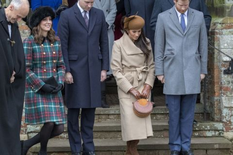 Meghan Markle, attraction du Noël royal: Kate Middleton lui apprend la révérence