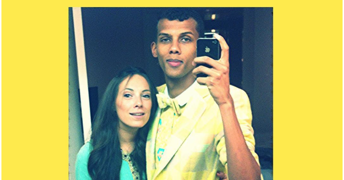 stromae et son pouse coralie barbier vous souhaitent un joyeux no l photo post e sur instagram. Black Bedroom Furniture Sets. Home Design Ideas