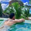 Baptiste Giabiconi : Tatoué et détendu aux Seychelles