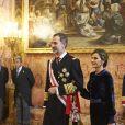 Le roi Felipe VI et la reine Letizia d'Espagne ainsi que Juan Carlos Ier et l'ex-reine Sofia ont assisté à la traditionnelle parade militaire au palais royal, lors de l'Epiphanie, à Madrid le 6 janvier 2018 © Jack Abuin via ZUMA Wire / Bestimage