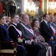 """""""Le roi Felipe VI et la reine Letizia d'Espagne ainsi que Juan Carlos Ier et l'ex-reine Sofia ont assisté à la traditionnelle parade militaire au palais royal, lors de l'Epiphanie, à Madrid le 6 janvier 2018 © Jack Abuin via ZUMA Wire / Bestimage"""""""