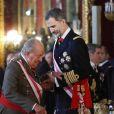 """""""Le roi Felipe VI et la reine Letizia d'Espagne ainsi que Juan Carlos Ier et l'ex-reine Sofia ont assisté à la traditionnelle parade militaire au palais royal, lors de l'Epiphanie, à Madrid le 6 janvier 2018"""""""