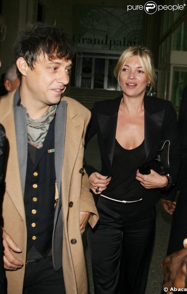Kate Moss chez Chanel mardi matin avec Jamie Hince