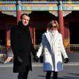 Le président de la République Emmanuel Macron et sa femme la Première dame Brigitte Macron (Trogneux) visitent la Cité interdite avec des élèves de l'établissement français Charles de Gaulle de Pékin et d'une école chinoise à Pékin lors de la visite d'Etat de trois jours en Chine, le 9 janvier 2018. © Christian Liewig/Pool/Bestimage