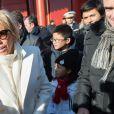 Le président de la République et sa femme la Première dame Brigitte Macron (Trogneux)   visitent la Cité interdite avec des élèves de l'établissement français Charles de Gaulle de Pékin et d'une école chinoise à Pékin lors de la visite d'Etat de trois jours en Chine, le 9 janvier 2018. © Jacques Witt/Pool/Bestimage