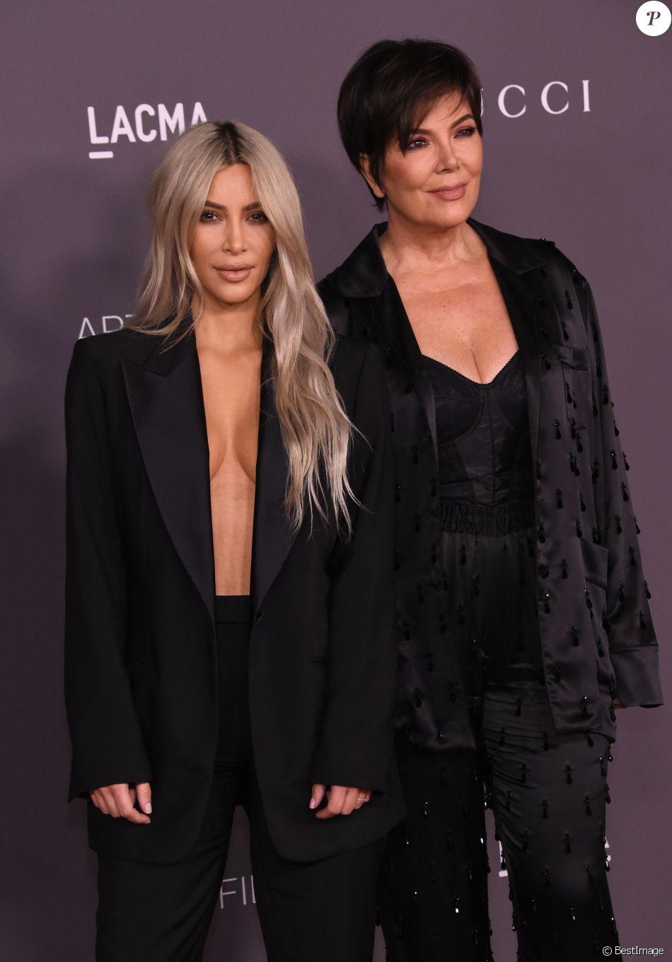 Kim Kardashian et sa mère Kris Jenner à la soirée LACMA Art au musée LACMA à Los Angeles, le 4 novembre 2017 © Chris Delmas/Bestimage