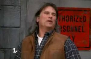 Richard Dean Anderson fait son retour dans MacGyver avec son fils caché et... débile ! Regardez la vidéo !