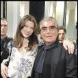 Milla Jovovich et Roberto Cavalli en backstage lors de la Fashion Week parisienne