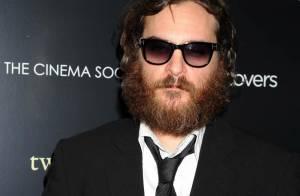 Joaquin Phoenix : l'ancien comédien et nouveau rappeur se bat violemment en discothèque ! Regardez ! (Réactualisé)