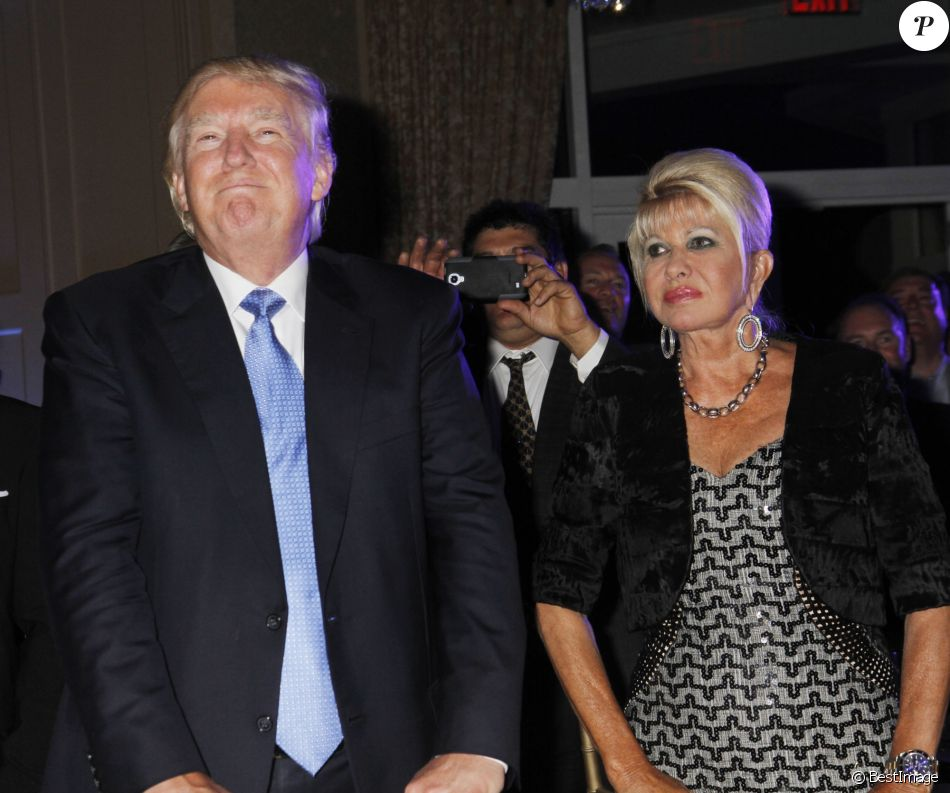 Donald Trump et son ex-femme Ivana Trump lors du 8ème tournoi de golf annuel Eric Trump au Trump National Golf Club Westchester au Briarcliff Manor à New York, le 15 septembre 2014.