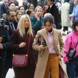 Victoria Beckham - Sorties du défilé de mode Louis Vuitton homme  automne-hiver 2018-2019  au Palais Royal à Paris. Le 18 janvier 2018 © CVS - Veeren / Bestimage