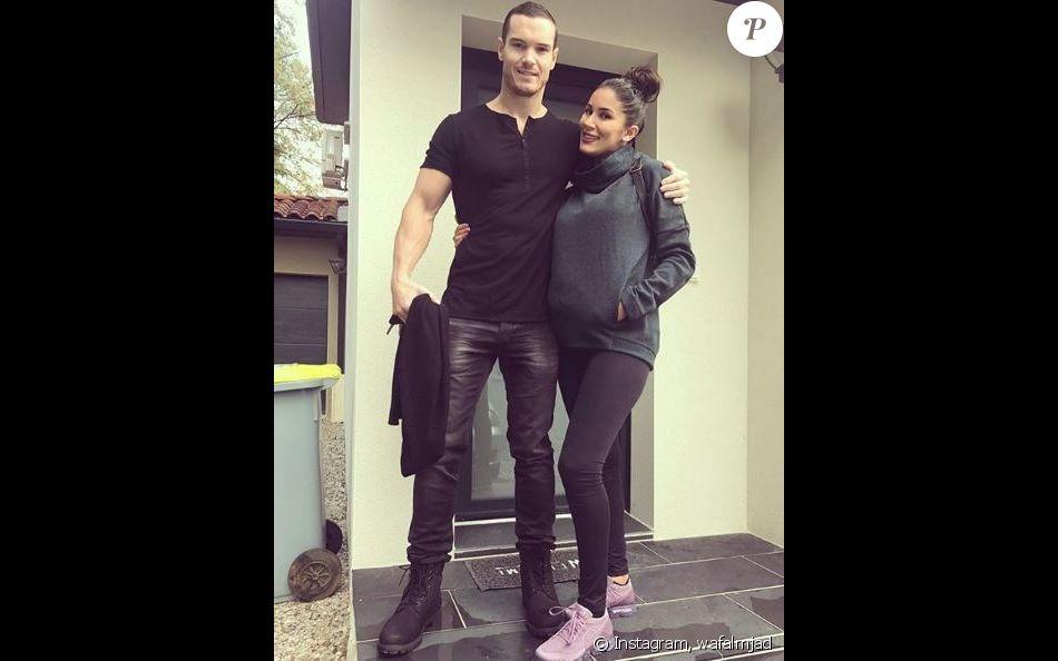 """Wafa de """"Koh-Lanta"""" enceinte, pose avec son compagnon, Instagram, 2017"""