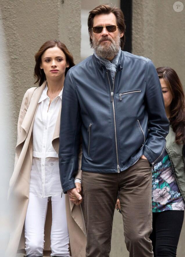 Jim Carrey et Cathriona White dans les rues de New York, le 18 mai 2015