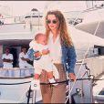 Isabella Cruise, bébé, et sa mère Nicole Kidman. Juillet 1993.