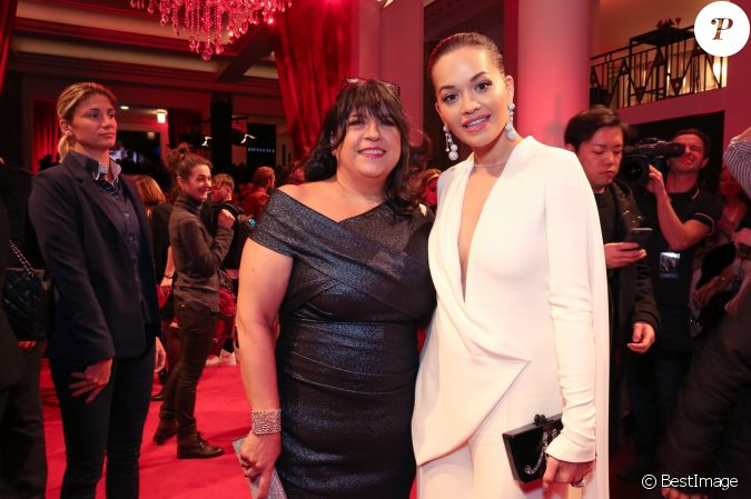 E l james et rita ora bijoux de grisogono int rieur for Interieur paris premiere